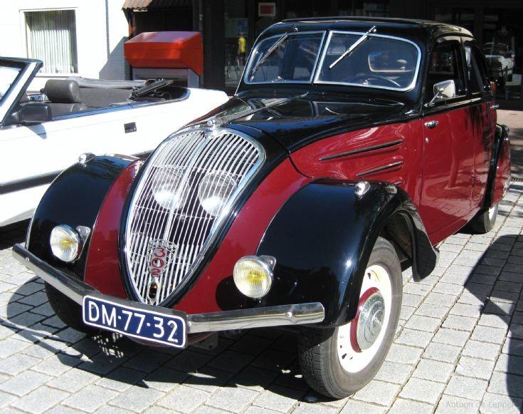 1936 Peugeot 302, image 2.