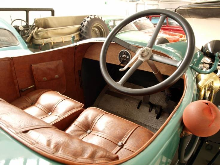 classic and vintage cars leather and wood interior. Black Bedroom Furniture Sets. Home Design Ideas
