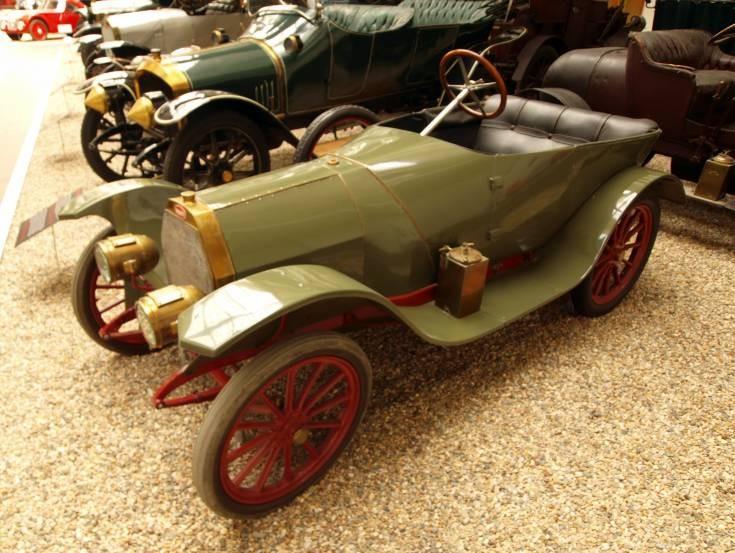 Photo of a Bugatti 13