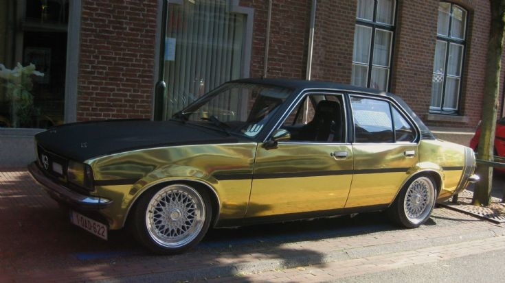 Opel Ascona, Black & Gold
