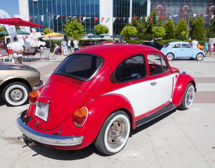 Volkswagen 1300 - Red & White 2