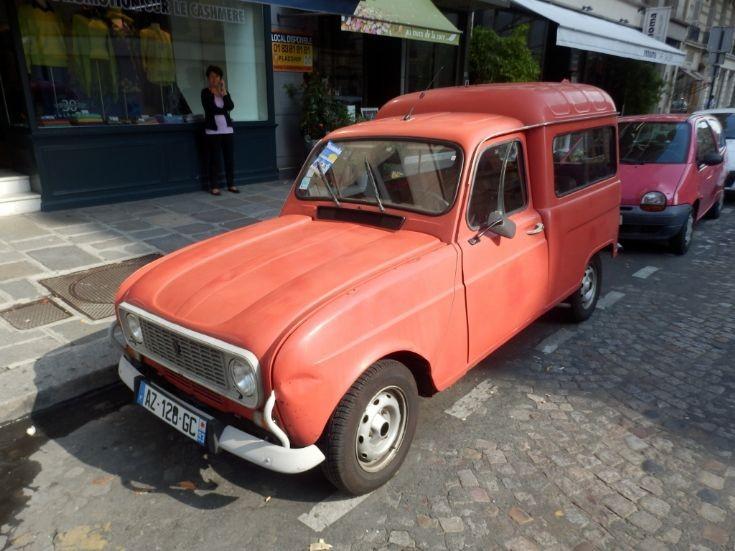 Renault 4 - Paris