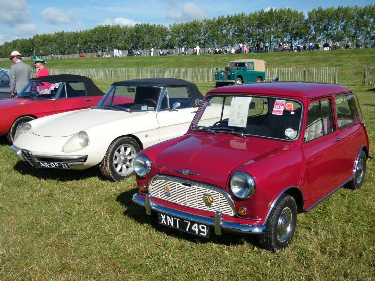 Morris Mini and Alfa Romeo