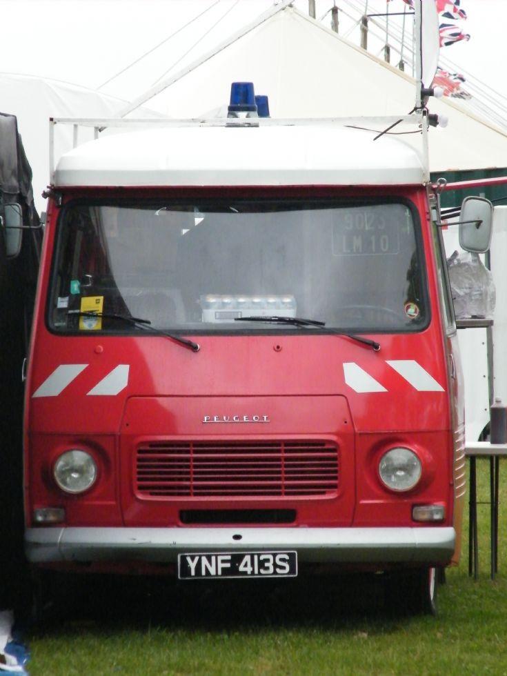 Peugeot fire van