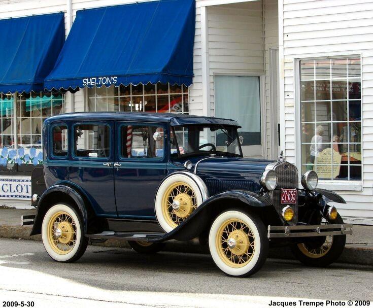 Ford A 1930 Town Sedan