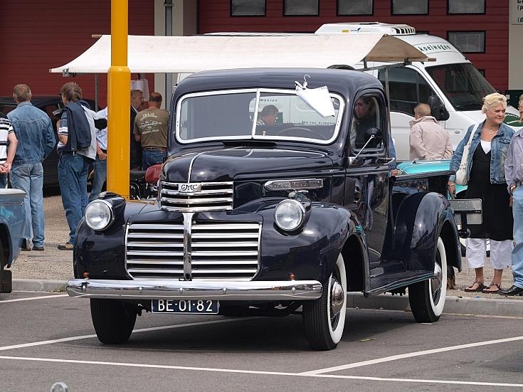 Black G.M.C. Model 9314 (1941)