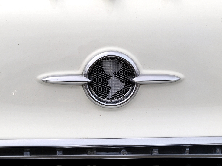 Oldsmobil Holliday (1955) insignia