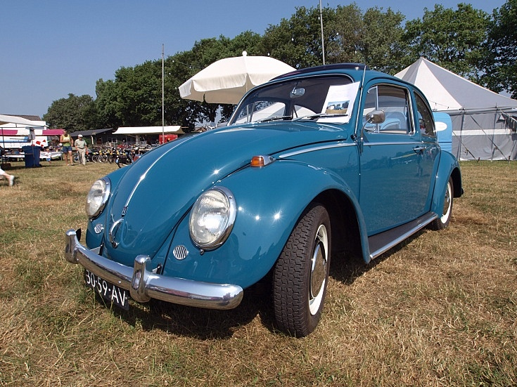 Volkswagen 117 (1966)