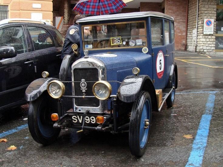 Singer vintage car