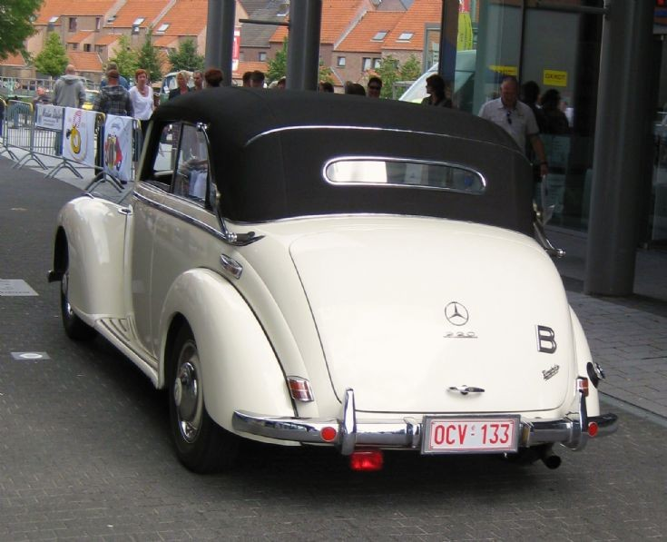 Mercedes - Benz in Maaseik ( B )   2