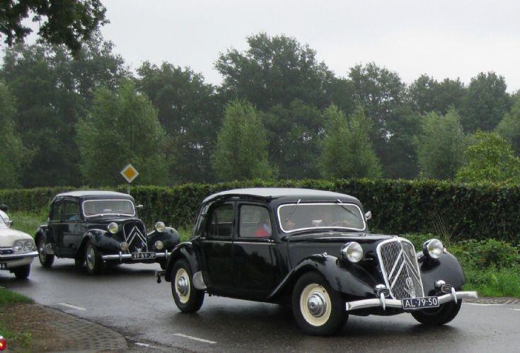 Two times a Citroën oldtimer.