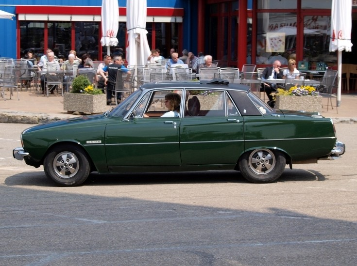 Green and black 1970 Rover P6