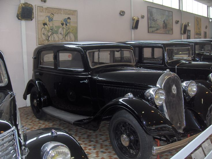 Black Hotchkiss 1934 (1)