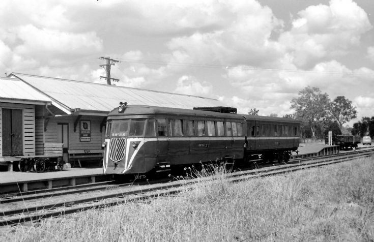 Railmotor 88 at Esk