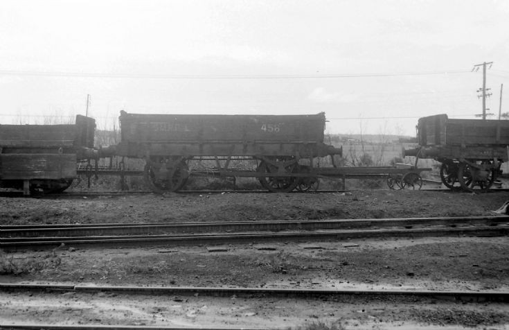 Low sided coal wagons - 4