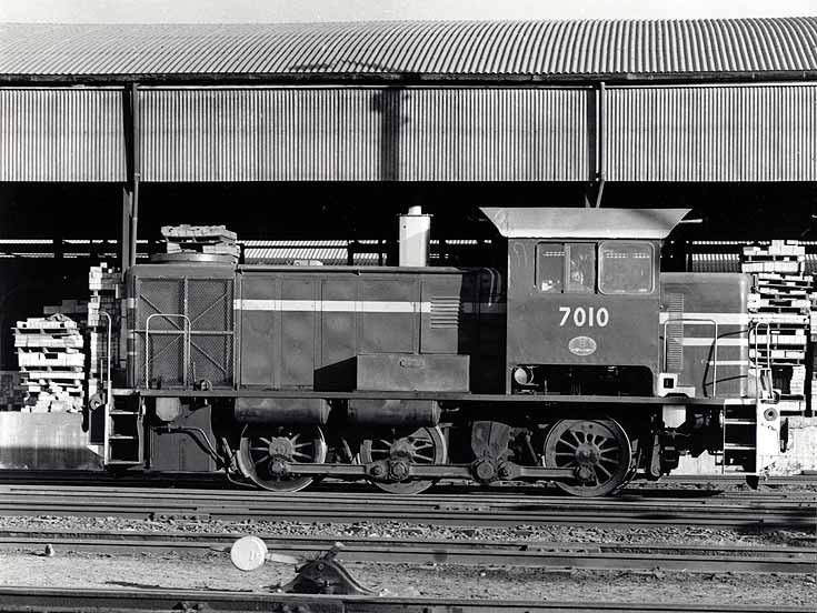 NSW diesel locomotive 7010