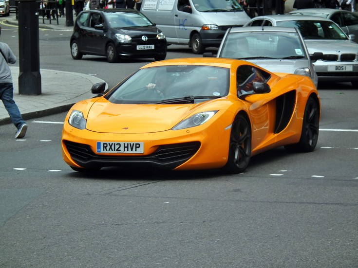 2012 McLaren Mp4-12c  3.8L V8