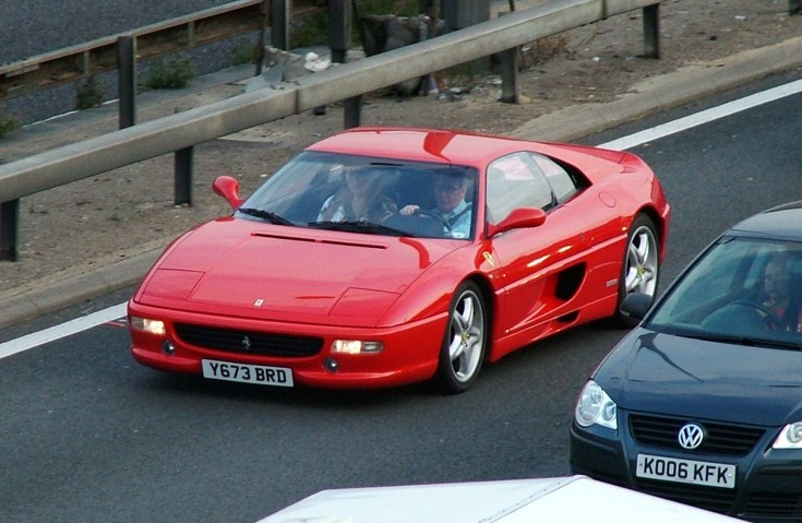 Red Ferrari 355 looking good!