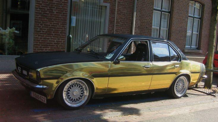 Black & Gold Opel Ascona