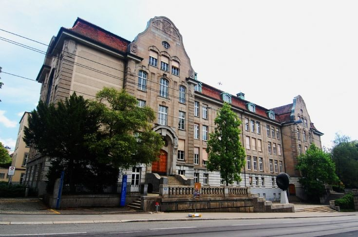 Universitat Zurich