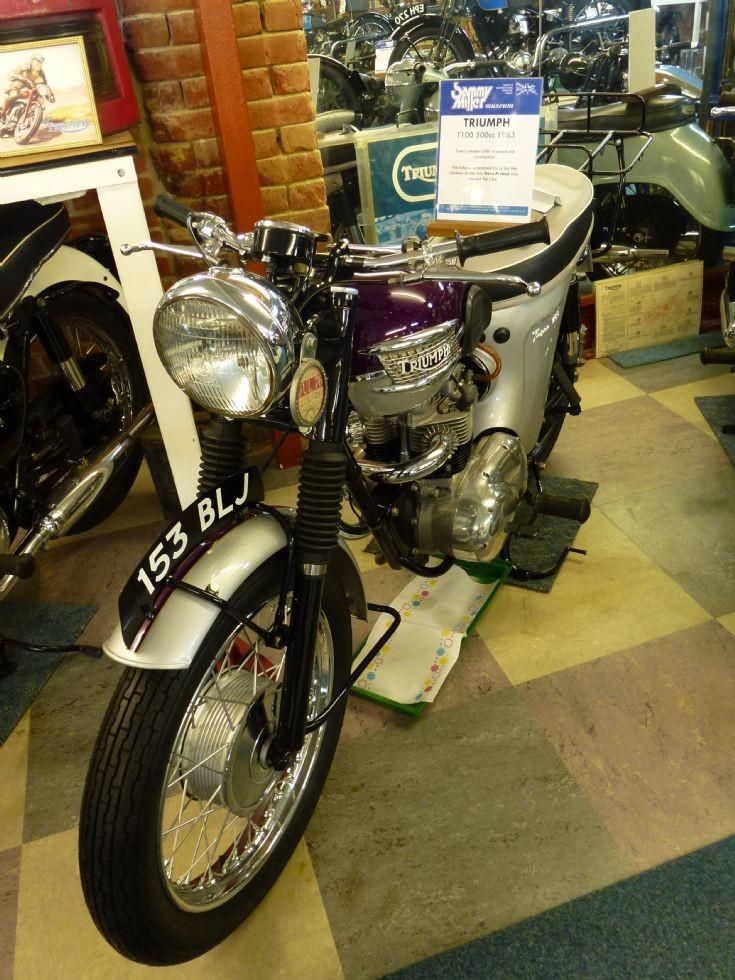 1963 Triumph T100