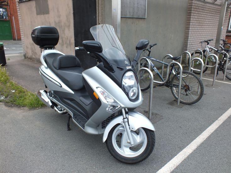 SYM GTS 125 motor scooter