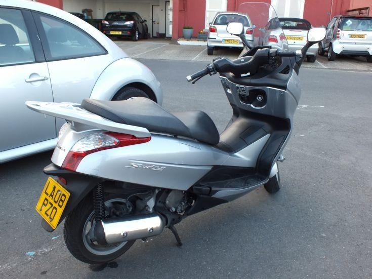 LA08 PZO Honda Swing