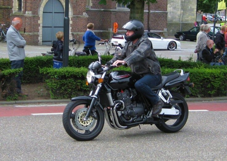 black Honda.