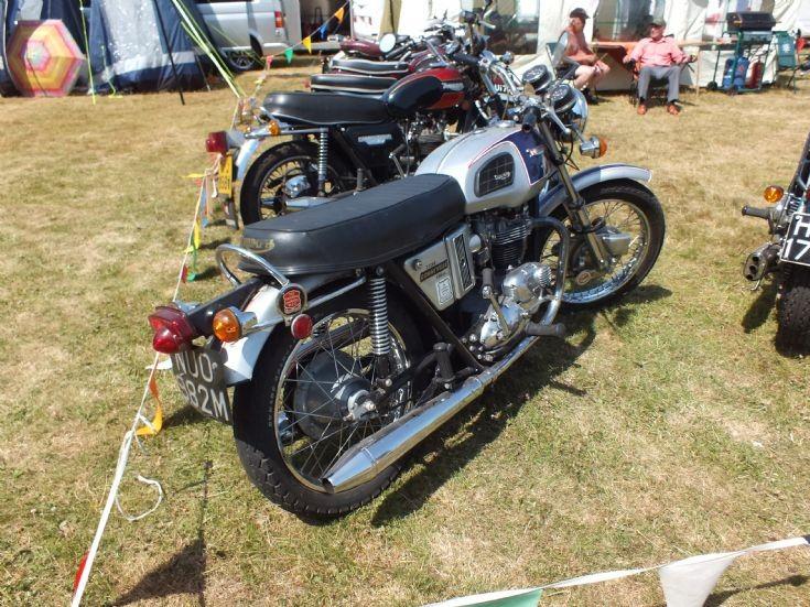 NUO 982M Triumph Bonneville