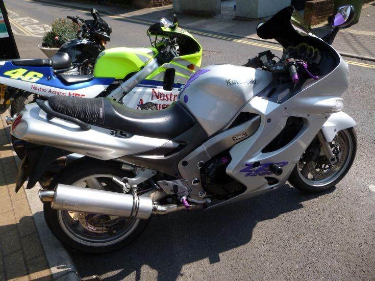YR02 VUS Kawasaki