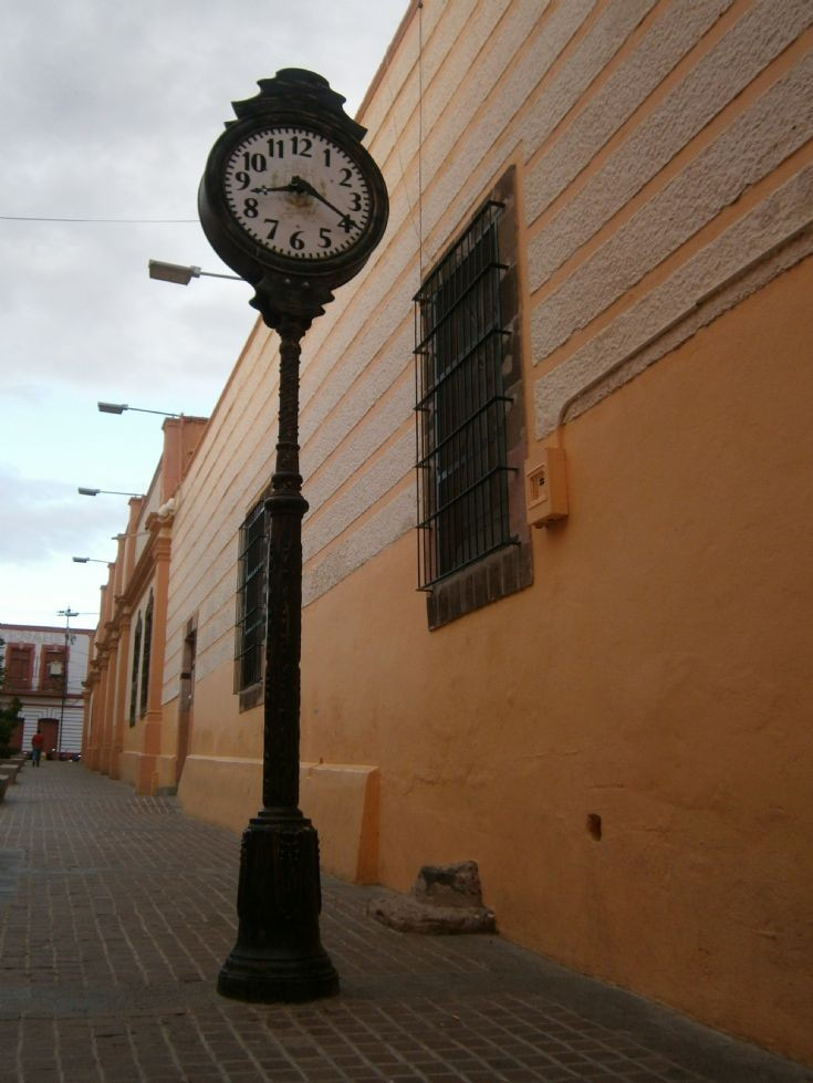Public clock in Mexico
