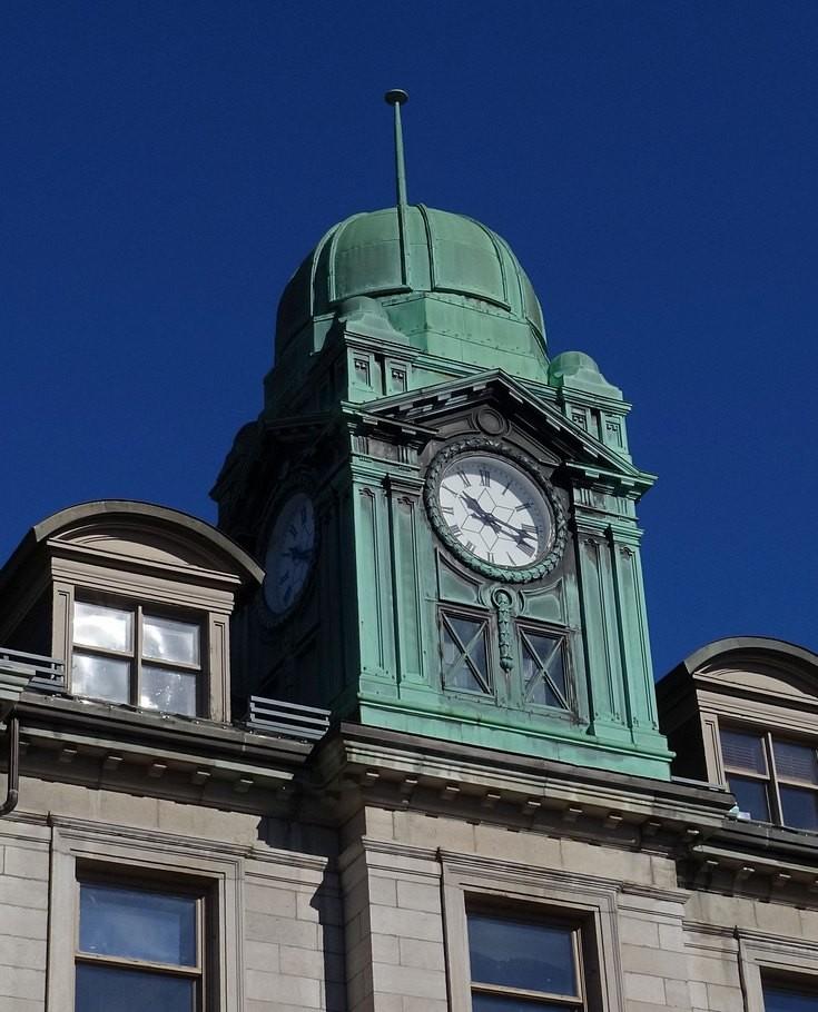 Port Authority clock