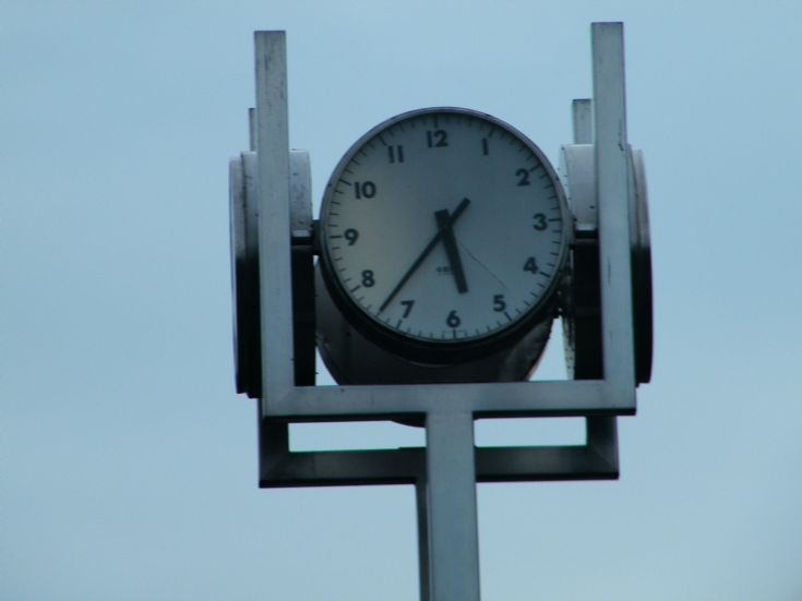 BUS STATION CLOCK
