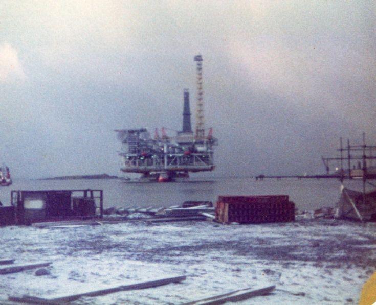 Maureen Alpha towed to deep water