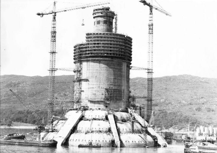 Ninian Central in build at Kishorn