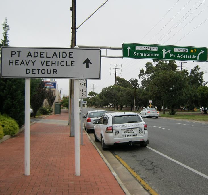 Heavy Vehicle Detour Sign