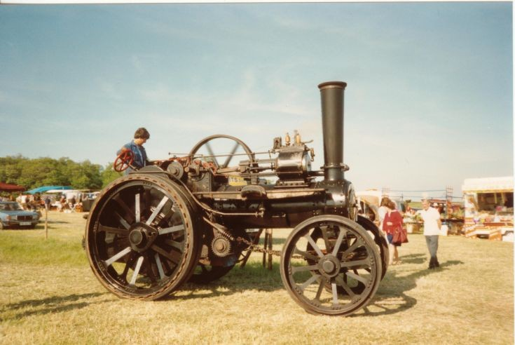 Fowler Single cyl traction engine