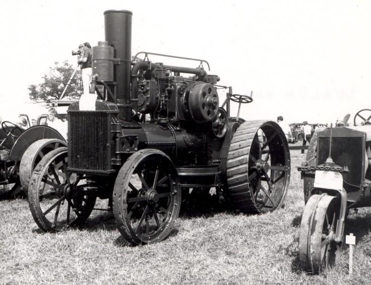 1920 Walsh + Clarke 2 cylinder engine