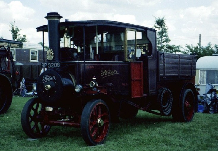 Foden steam wagon RP9208