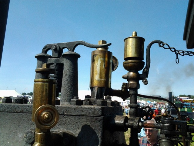 whistles on the military steam waggon