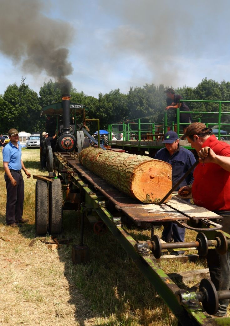 Burrell at work at Woodcote Steam Rally