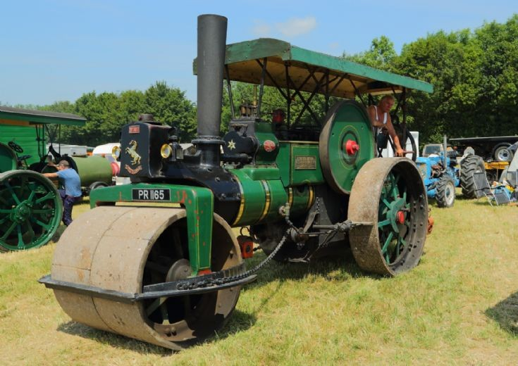 Invicta No 503 at Woodcote Steam Rally